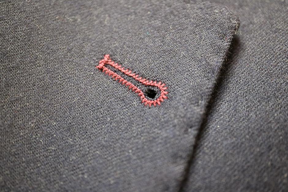 Herrenanzug Detail Verarbeitung der Knopflöcher