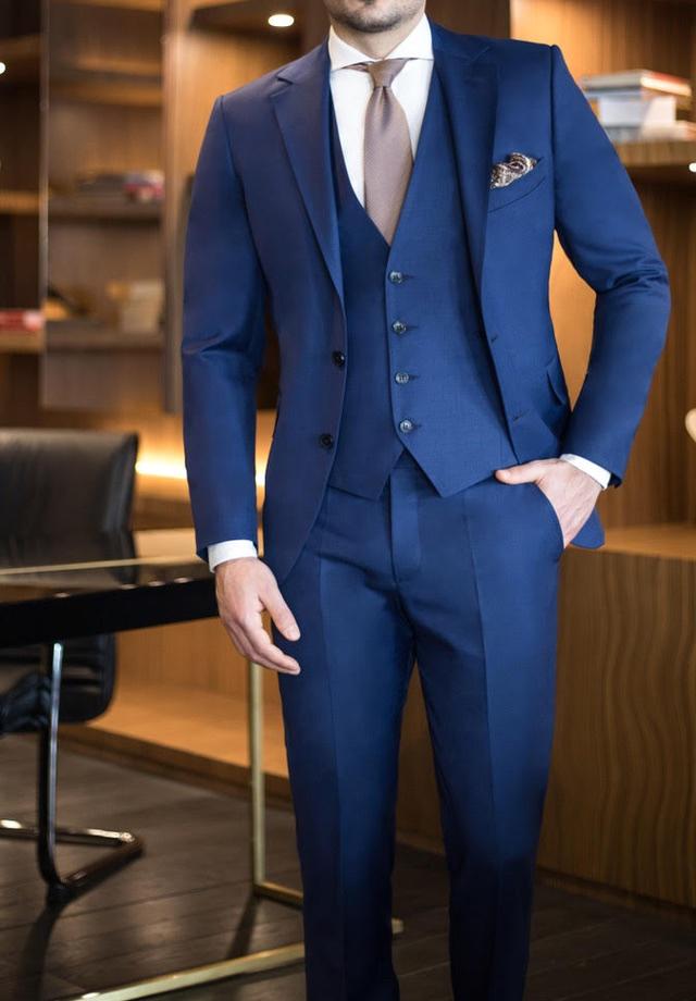 Westen ton in ton Farblich passend zum Anzug